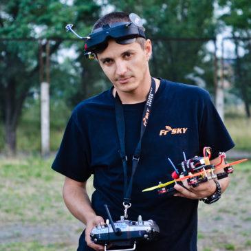 """Перший чемпіон України з дрон-рейсингу: """"У моєму дитинстві навіть мріяти про польоти було неможливо"""""""